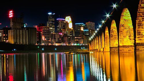 2048px-Stone_Arch_Bridge_-_Minneapolis.JPG